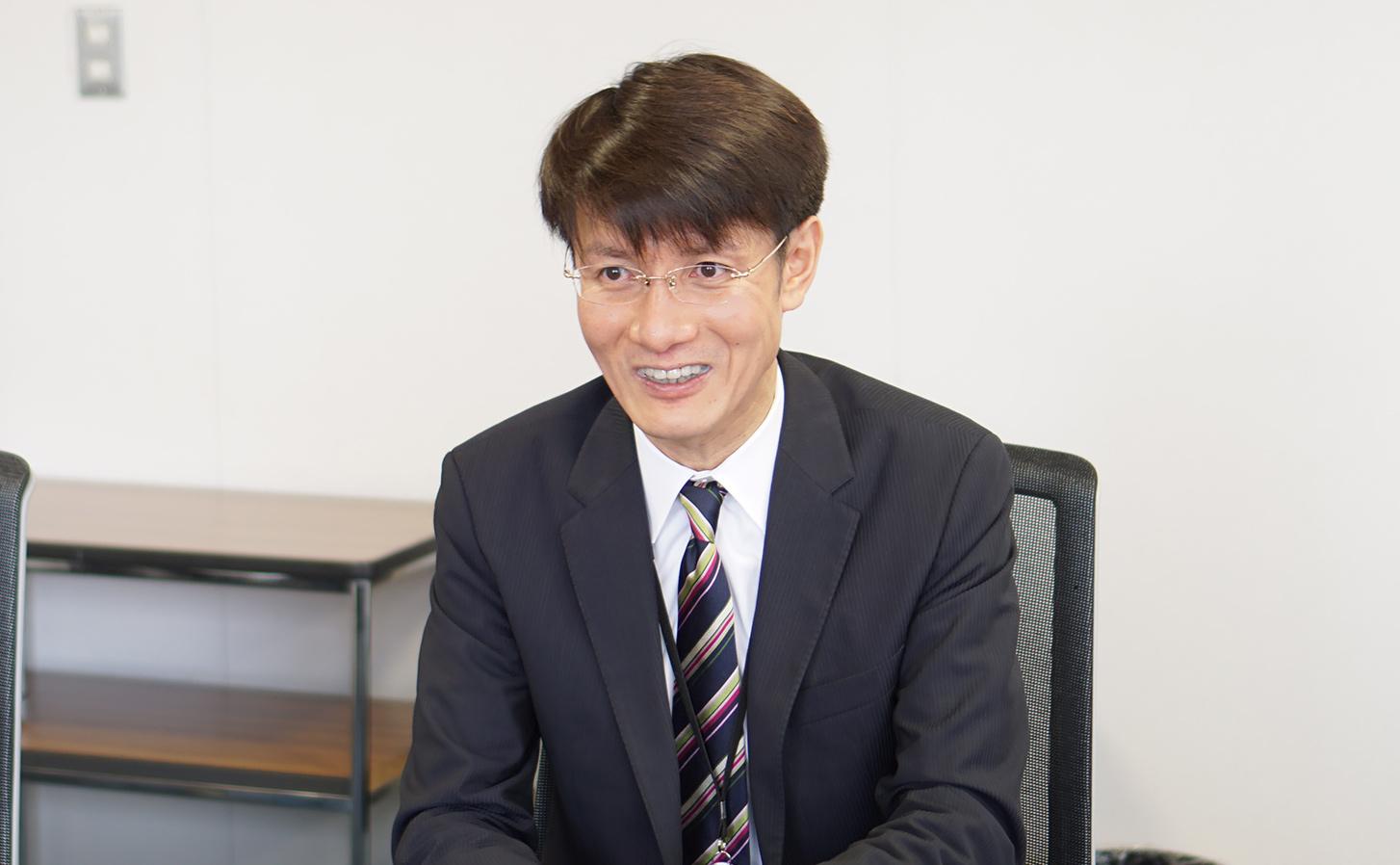 ADL赤峰氏