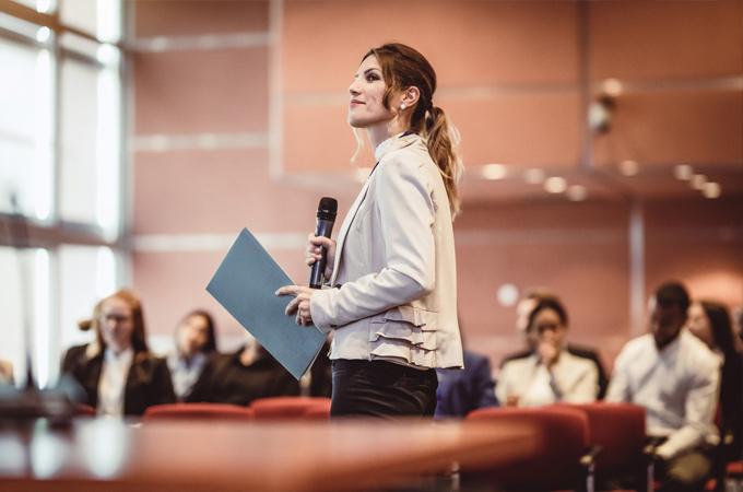 女性のプレミア キャリア個別相談会
